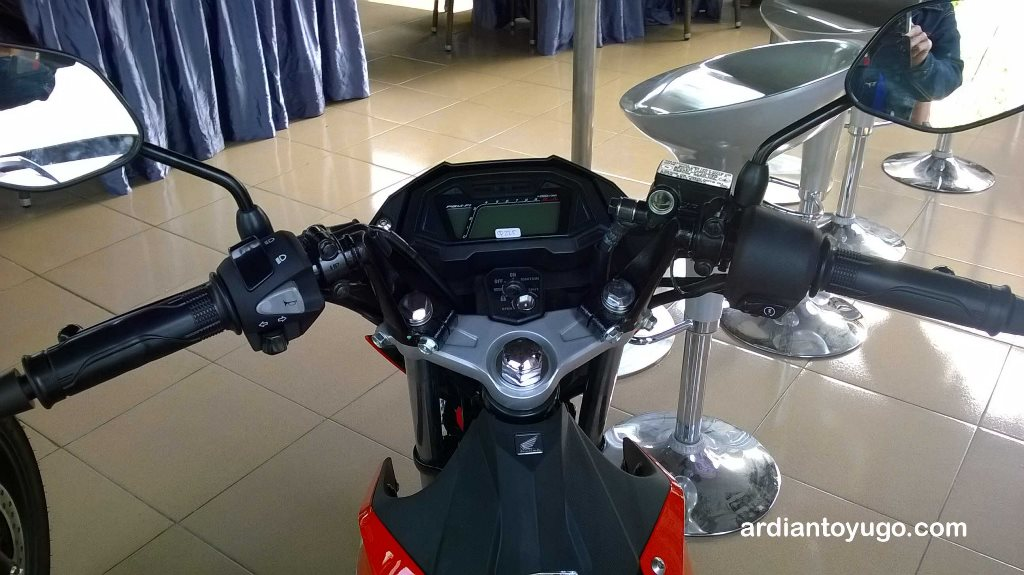 Review Honda Sonic 150R
