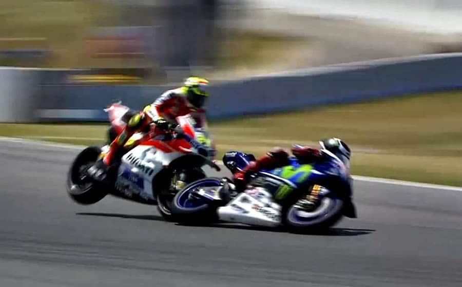 Iannone hit Lorenzo