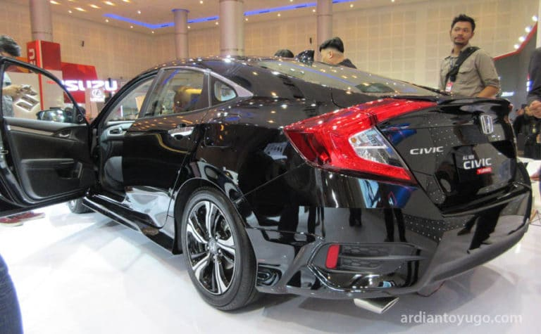 honda-civic-turbo-2016-1